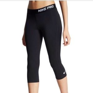 Nike Pro Cropped Dri-Fit Leggings